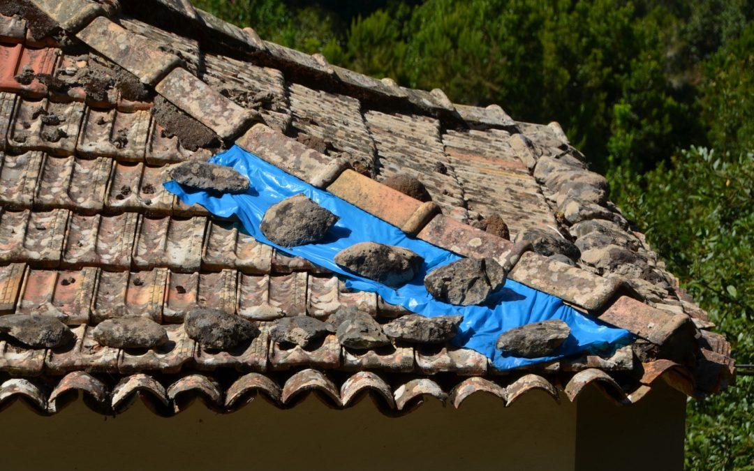 Vydávali se za opraváře střech a okapů